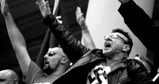 Для подтверждения «советской оккупации» латыши резали трупы расстрелянных немцами евреек