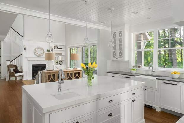 столешница белого цвета для кухни