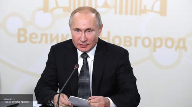 """Путин надеется, что холодный термин """"родитель номер 1"""" никогда не заменит """"маму"""""""