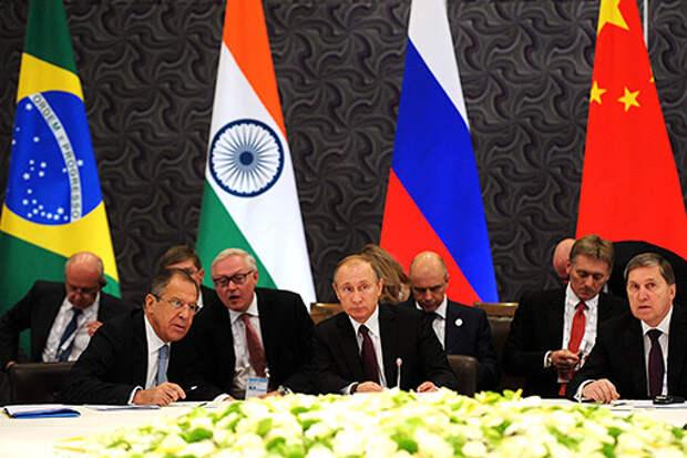 Джульетто Кьеза: Как Кремлю «сломать» доллар и начать «новую глобализацию»