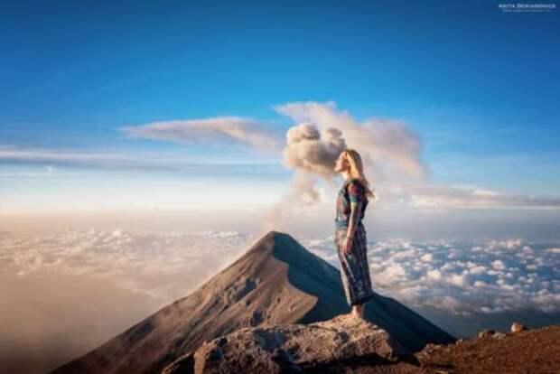 Путешествуя по миру, девушка делает красочные фотографии