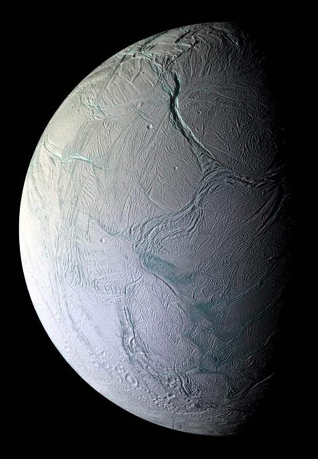 На спутнике Сатурна обнаружена гигантская электростанция