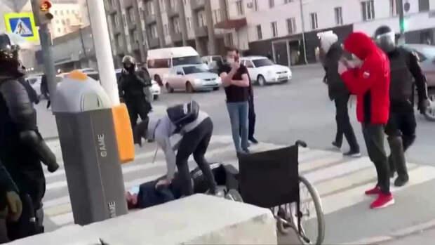В сети появилось видео «чудесного исцеления» на митинге в защиту Навального