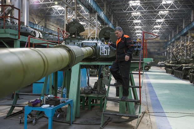 Шойгу рассказал, сколько современного вооружения поступит в войска до конца года