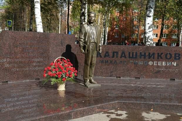 Памятник оружейникам Удмуртии появится в сквере имени Калашникова в Ижевске