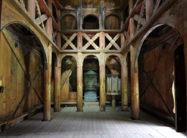 Памятник деревянного зодчества конца XII века. | Фото: thevintagenews.com.