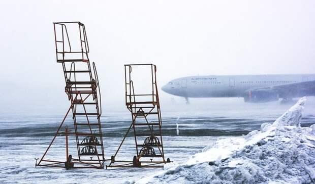 Два самолета изМосквы из-за ледяного дождя недолетели доОренбурга