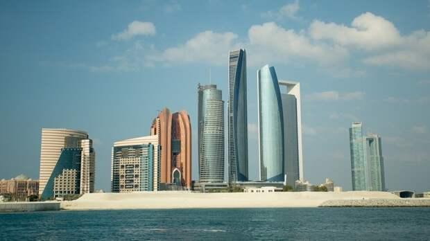 Власти Абу-Даби включили туристов из России в «зеленый» список