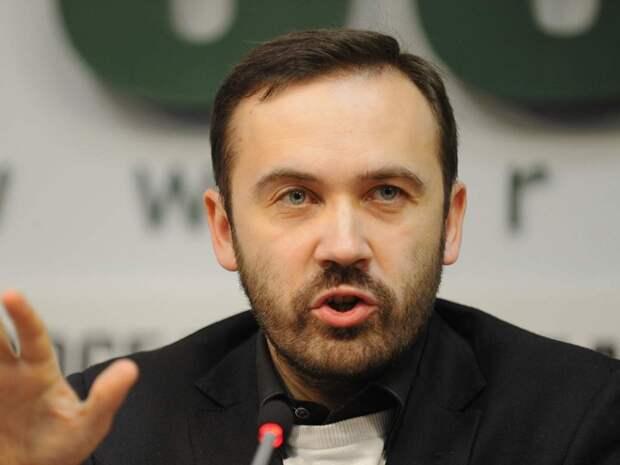 Осевший в Киеве беглый российский политик угрожает вернуться в Москву на броневике