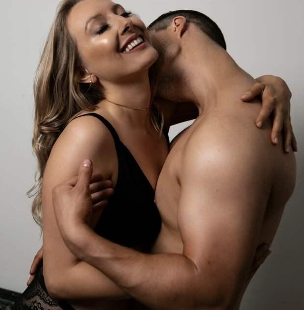 Чувственное наслаждение: журналистка занялась тантрическим сексом иподелилась впечатлениями