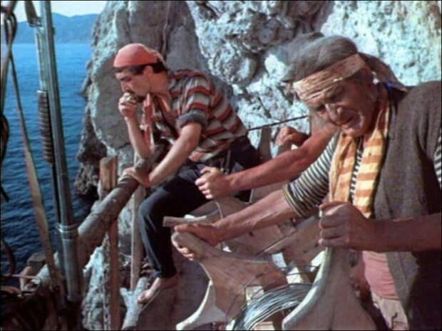 Охоту на Ихтиандра устроили под скалой Ифигения в Крыму, в поселке Береговое неподалеку от Ялты.