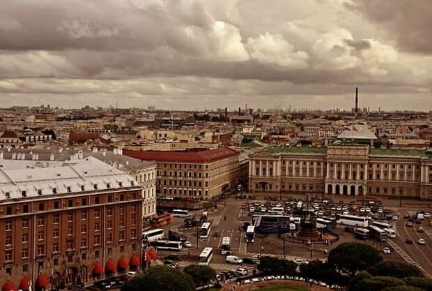 В Петербурге захотели ввести локдаун из-за COVID