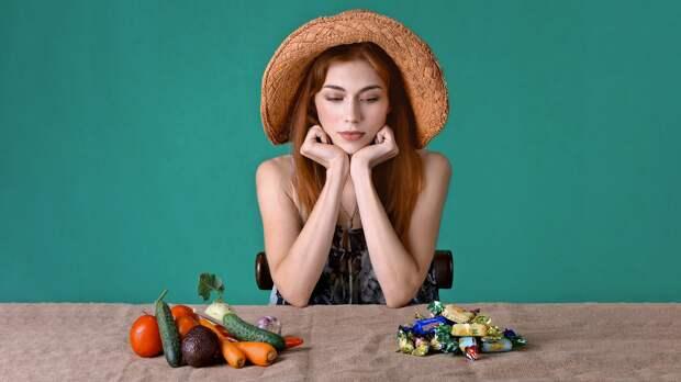 Названы основные привычки, которые мешают людям похудеть