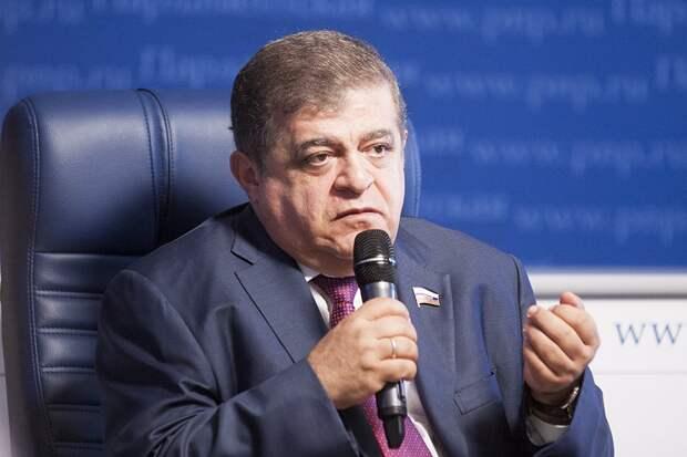 «Это заявление человека с ненормальной психикой»: Сенатор Джабаров о словах Порошенко про Россию и Белоруссию