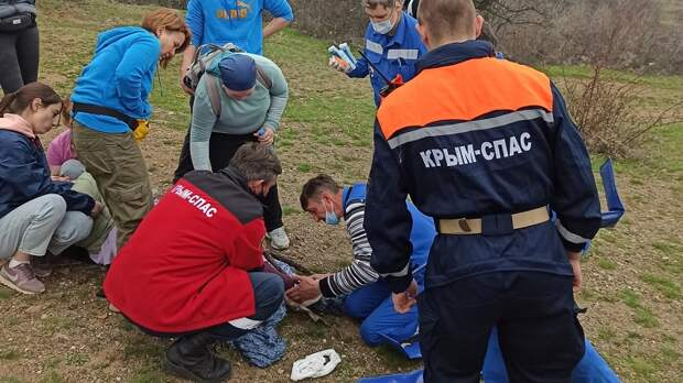 Происшествие на склоне горы Демерджи — «КРЫМ-СПАС» пришел на помощь женщине с травмой ноги