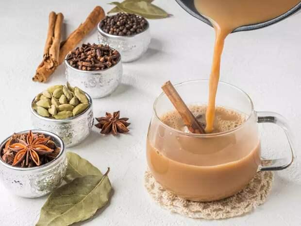 Не кофе единым: 7 согревающих осенних напитков, которые можно приготовить