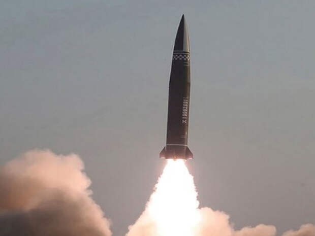 КНДР макнули США, запустив запрещенные ракеты; Россия запретила разведполеты Франции; иностранных участников митингов выгоняют из России