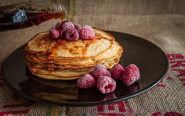 Экономим вкусно: 4 рецепта блинов накислом молоке