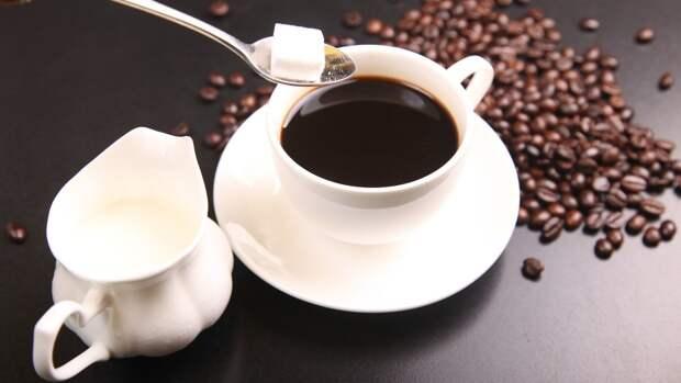 Людям с пониженным давлением посоветовали отказаться от кофе