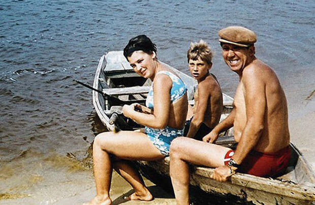 Юрий Никулин с женой и сыном