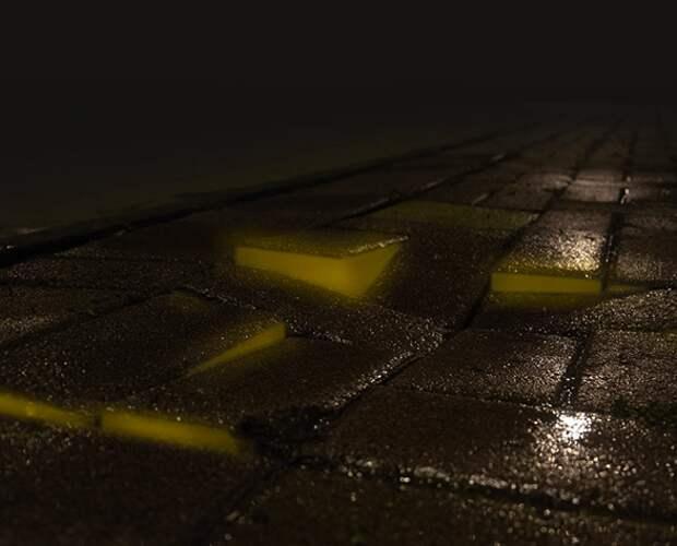 Светящийся кирпич дорожным службам в помощь