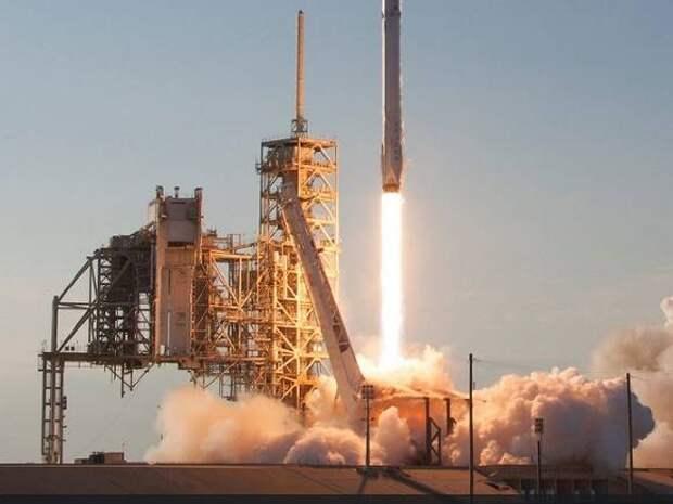 Пилотируемый Crew Dragon-2 доставит на МКС четверых астронавтов