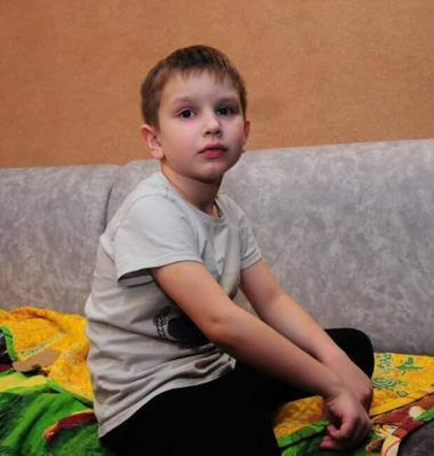 Преодолеть барьер и обрести друзей: 7-летнему Жене нужна помощь в борьбе с аутизмом!