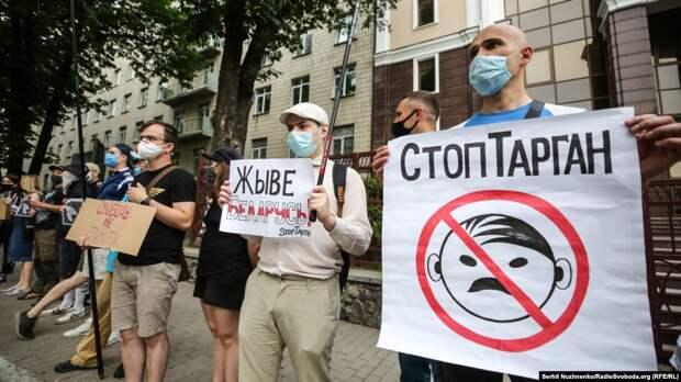 Благодарность по-украински. Лукашенко получил сполна за союз с украинскими нацистами