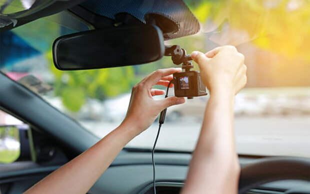 Видеорегистраторы с радар-детектором – бюджетные против дорогого