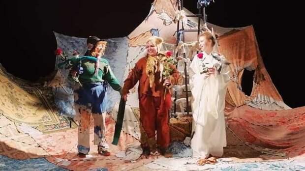 Как научиться летать зачас? ВНижнем Тагиле прошла премьера от«Маленького театра»