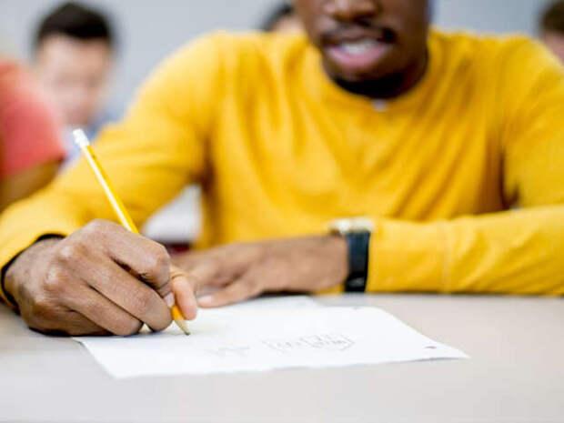 Получить диплом о среднем образовании не умея читать, писать и считать