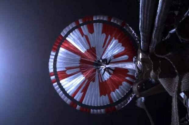 В куполе парашюта марсохода NASA обнаружили скрытое послание