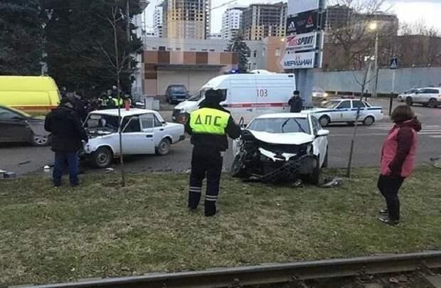 Четыре человека пострадали в ДТП в Краснодаре