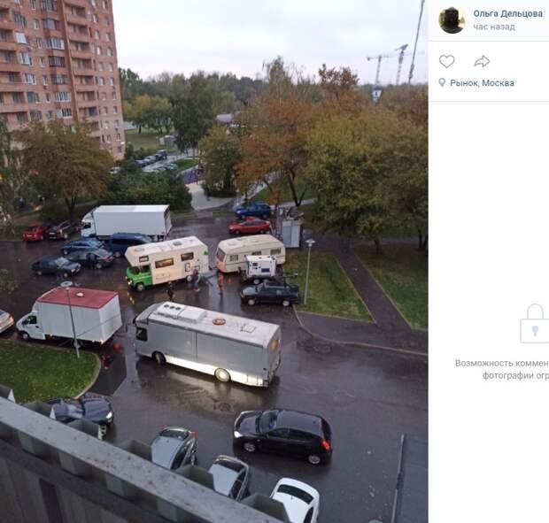 Киношники оккупировали парковку в 4-ом квартале Капотни