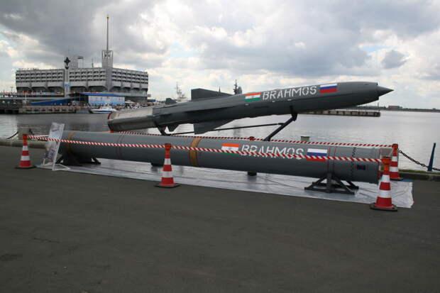 Россия и Индия создадут ракету «Брамос» для уничтожения самолетов AWACS