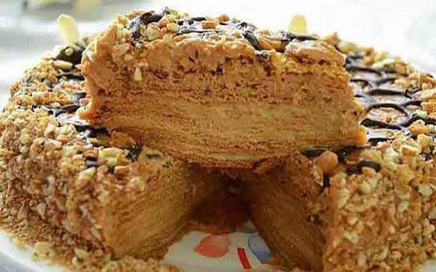 Рецепт восхитительного медового торта с заварным кремом