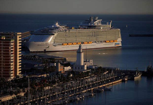 Самое большое круизное судно в мире