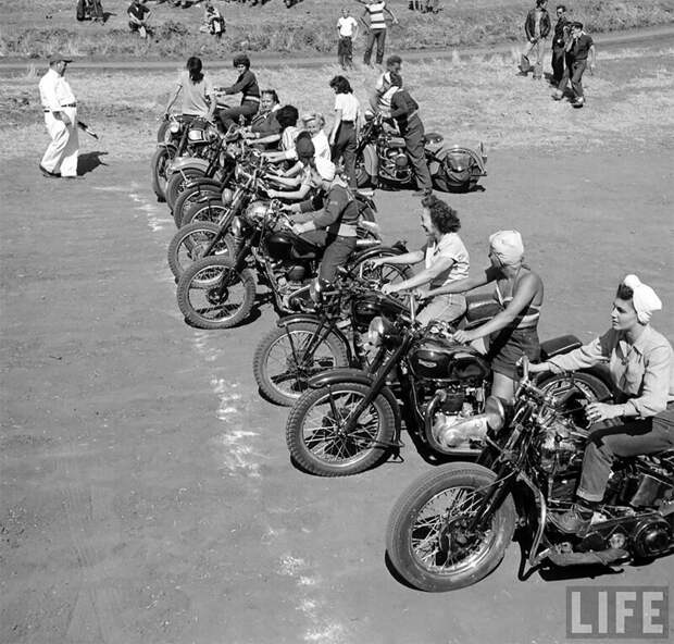 Байкерши 1940-х: вот он какой, настоящий феминизм! 1940-е, байкерши, байкеры, женщины в седле, история, мотоциклы, путешествия, сша