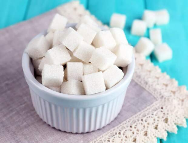 Российские торговые сети обеспечены достаточными запасами сахара - Минпромторг