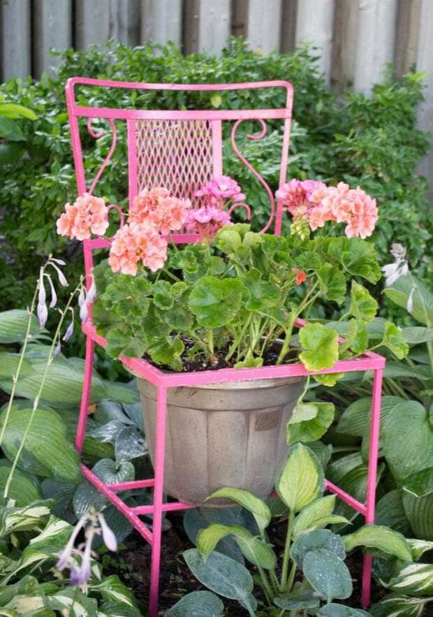 25 красивых идей декора для сада