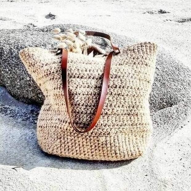 Пляжные сумки из рафии. Модели и схемы вязания