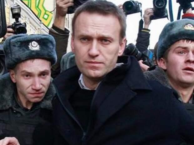 Навальному запретили голосовать на выборах