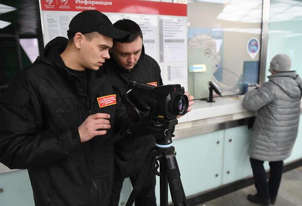 Почему Москва из-за коронавируса не закрывает метро?