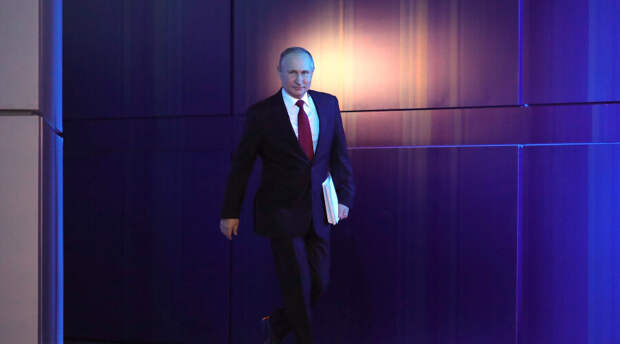Путин продлил программу кешбэка и предложил возвращать родителям половину стоимости детских путевок