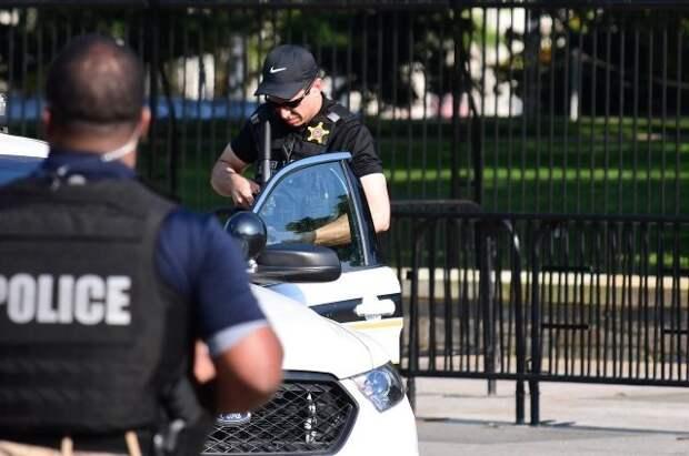 В США задержали мужчину, проникшего на территорию Капитолия