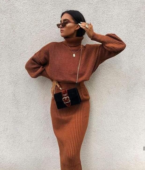 16 образов в модных цветах осени 2021