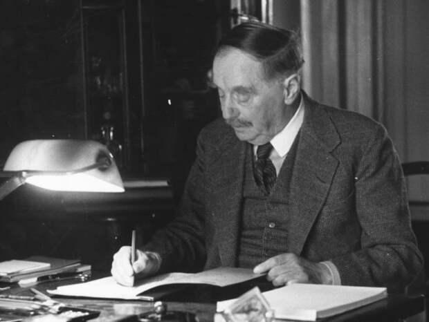 Писатель-фантаст, предсказавший многие открытия и изобретения ХХ века   Фото: ggpht.com