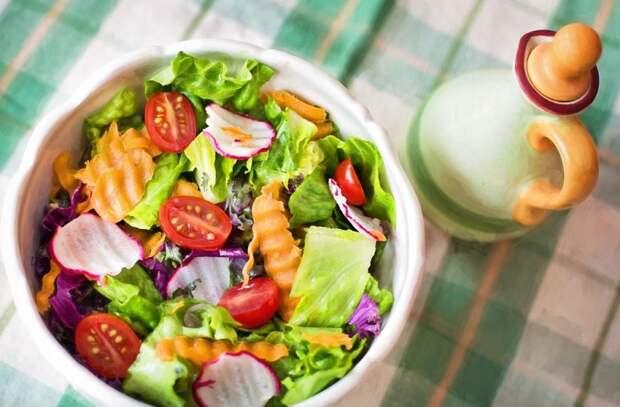 Обезжиренные продукты и фруктовые соки: привычки в еде ошибочно считают здоровыми