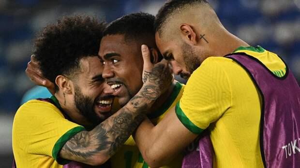 CBF потребовала от ФИФА запретить футболистам «Зенита» Малкому и Клаудиньо играть против «Ахмата» и «Челси»
