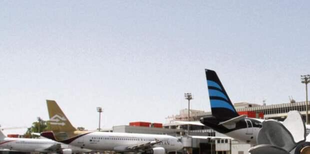 Силы Хафтара обстреляли ракетами аэропорт Триполи